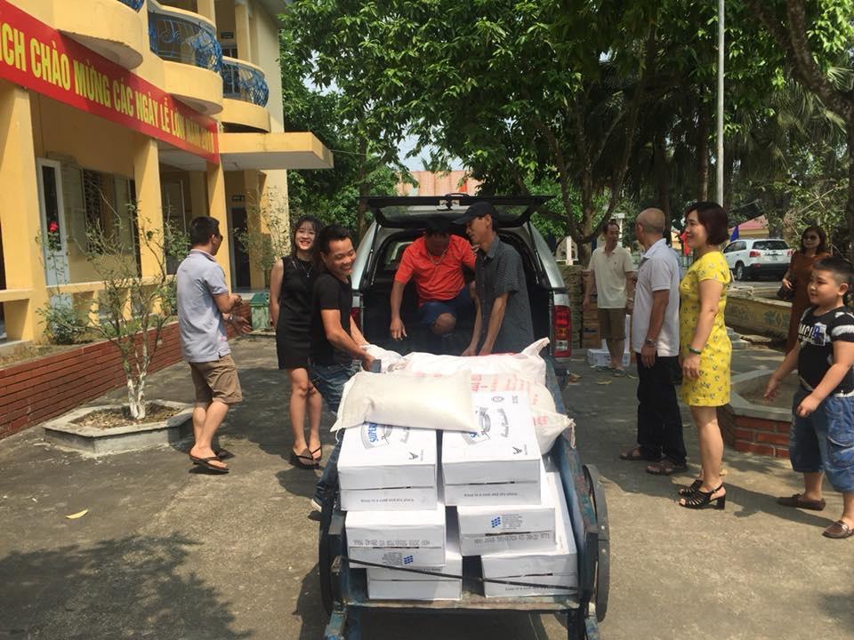 Hoạt động thiện nguyện tại Trung tâm nuôi dưỡng người già và trẻ tàn tật Hà Nội